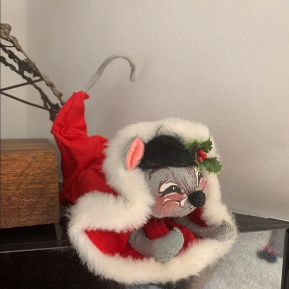 Annalee Mouse in Santa Hat